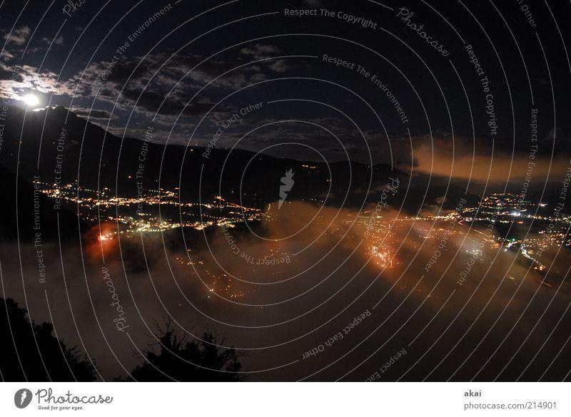 Meran - Zimmer mit Aussicht4 Himmel Stadt Ferien & Urlaub & Reisen schwarz Wolken Ferne dunkel Erholung Gefühle Berge u. Gebirge Landschaft Zufriedenheit