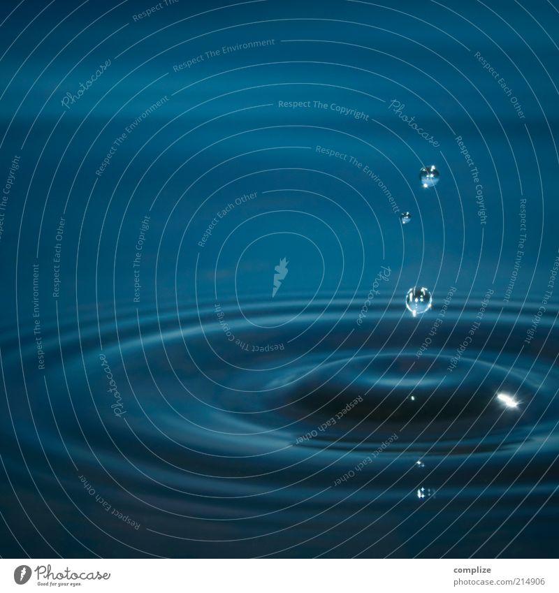 water Natur blau schön Wasser Erholung Regen Wellen Zufriedenheit nass Wassertropfen Kreis Urelemente Klarheit Tropfen Flüssigkeit Meditation