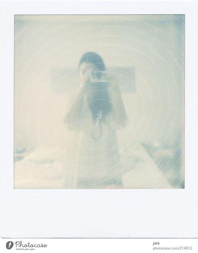 700 | nothing is impossible Frau Mensch Freude Erwachsene feminin hell stehen Polaroid weich Kleid brünett langhaarig Fotografieren Selbstportrait Blick