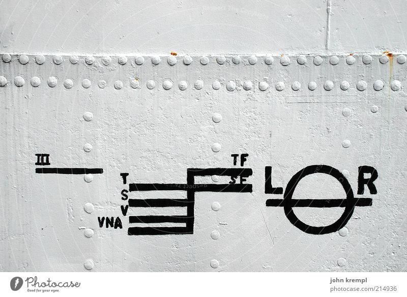 das kleingedruckte weiß schwarz Metall Schilder & Markierungen Güterverkehr & Logistik Zeichen Schifffahrt Ausflug Verkehr Wasserfahrzeug Kahn Dampfschiff