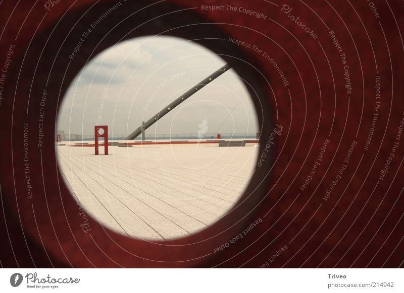 Durchblick weiß rot ruhig Freiheit Stimmung braun modern ästhetisch Platz rund weich beobachten außergewöhnlich Neugier Loch