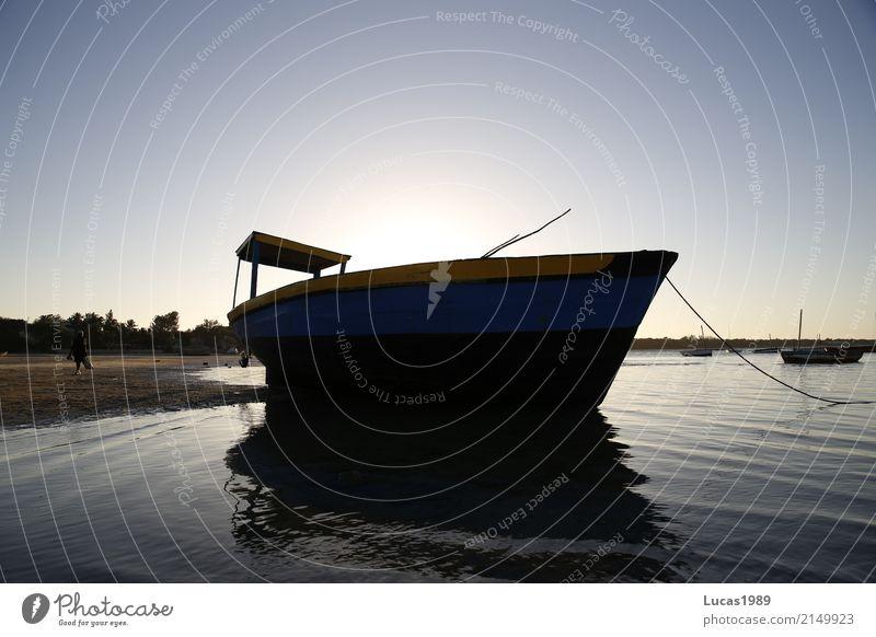 Dhow - Segelboot Ferien & Urlaub & Reisen Tourismus Ausflug Abenteuer Ferne Freiheit Expedition Sommer Sommerurlaub Sonne Strand Insel Wellen Sand Küste Seeufer