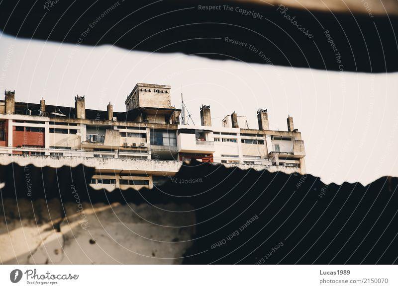Architektur individuell Maputo Mosambik Afrika Stadt Hauptstadt Hafenstadt Stadtzentrum Menschenleer Haus Hochhaus Ruine Bauwerk Gebäude Mauer Wand Fassade alt