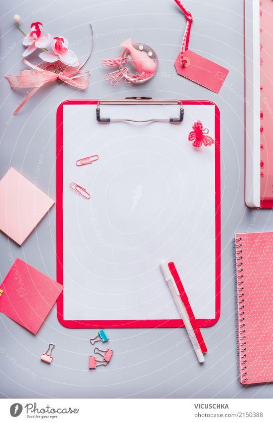 Pink Bürobedarf mit leerem Blatt Papier und Stift Lifestyle Hintergrundbild feminin Stil Business Schule rosa Design Arbeit & Erwerbstätigkeit Tisch Studium