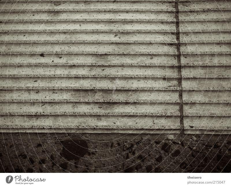 rippchenbeton Architektur Stein dreckig Textfreiraum Beton Bodenbelag Boden Symmetrie Haltestelle Straßenbahn Umwelt