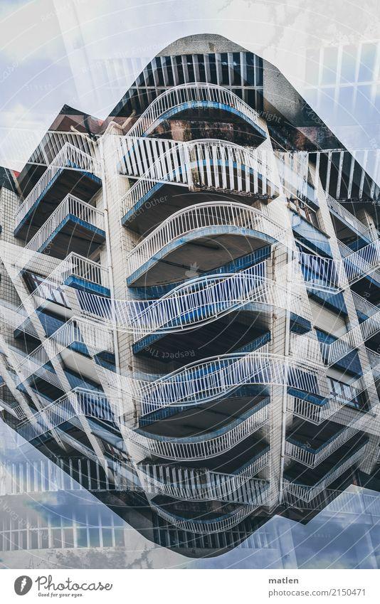 Etagere Stadt Menschenleer Hochhaus Mauer Wand Fassade Balkon blau grau weiß Doppelbelichtung Farbfoto Außenaufnahme Experiment abstrakt Muster