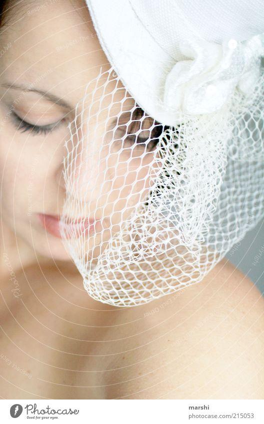 es war einmal elegant Stil schön Kosmetik Veranstaltung Mensch feminin Frau Erwachsene Gesicht 1 Accessoire Hut hell weiß Gefühle Stimmung Glück Zufriedenheit