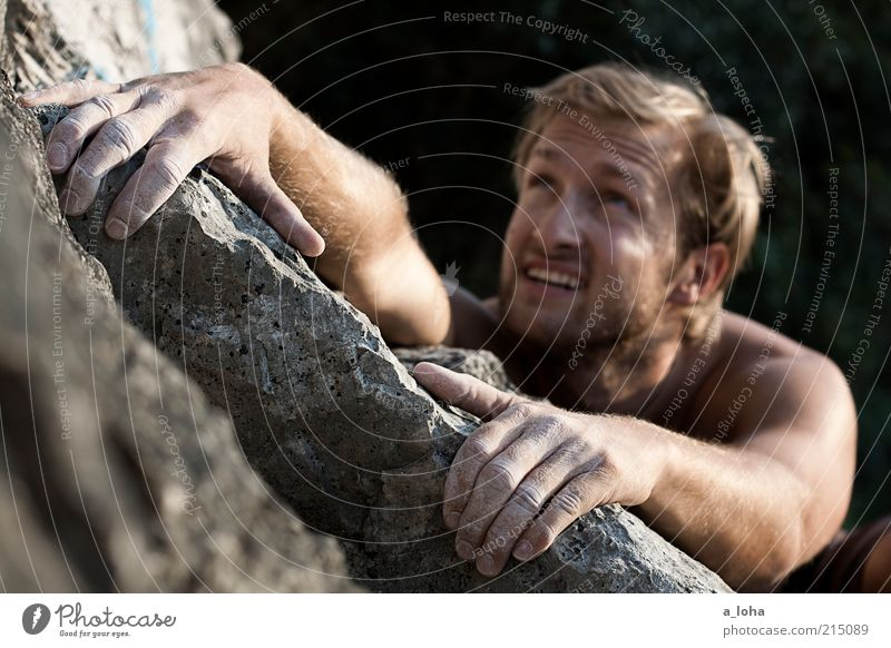 Go Climb A Rock! (II) Mensch Jugendliche Sommer Freude Junger Mann Gesicht Berge u. Gebirge Sport Felsen Freizeit & Hobby maskulin Lifestyle Kraft blond Arme beobachten