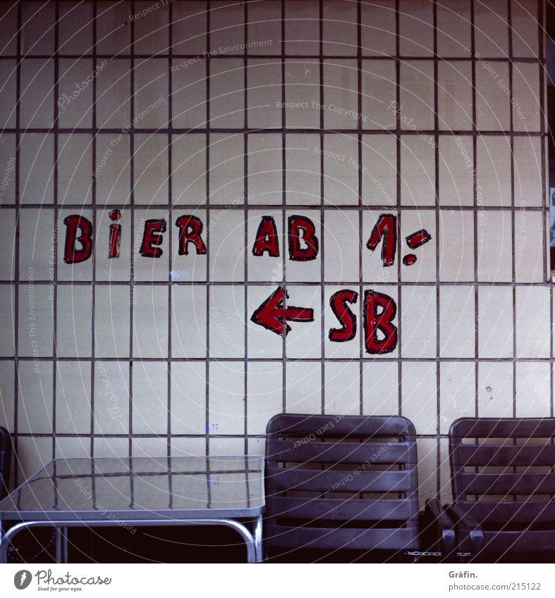Bier ab 1,- Einsamkeit Wand Graffiti Mauer Fassade dreckig Schilder & Markierungen authentisch Schriftzeichen Kommunizieren Tisch Getränk Bier Fliesen u. Kacheln Werbung Alkohol