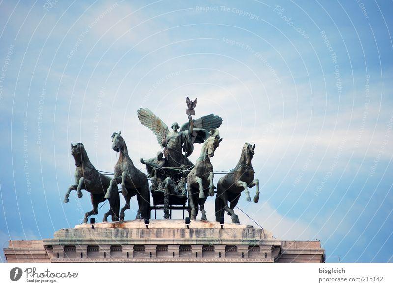 nicht das Brandenburger Tor ... Himmel blau Wolken Tier Europa Macht Pferd Italien Statue Skulptur Hauptstadt Sehenswürdigkeit Sightseeing Rom Gerichtsgebäude