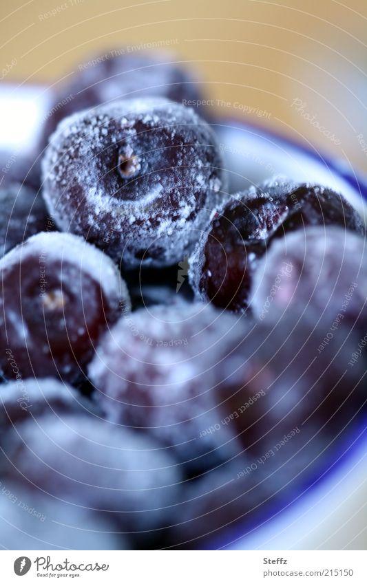 gefrorene Kirschen blau Winter kalt Lebensmittel Frucht frisch Ernährung Frost violett gefroren Dessert frieren Vegetarische Ernährung Kirsche Vorrat tauen