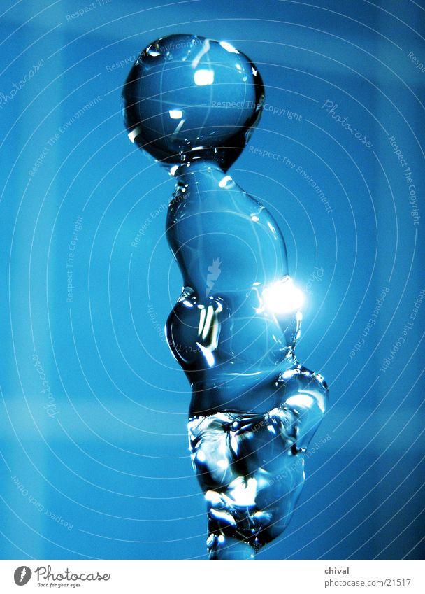 Wasserskulptur 15 blau Wassertropfen fallen Lichtbrechung
