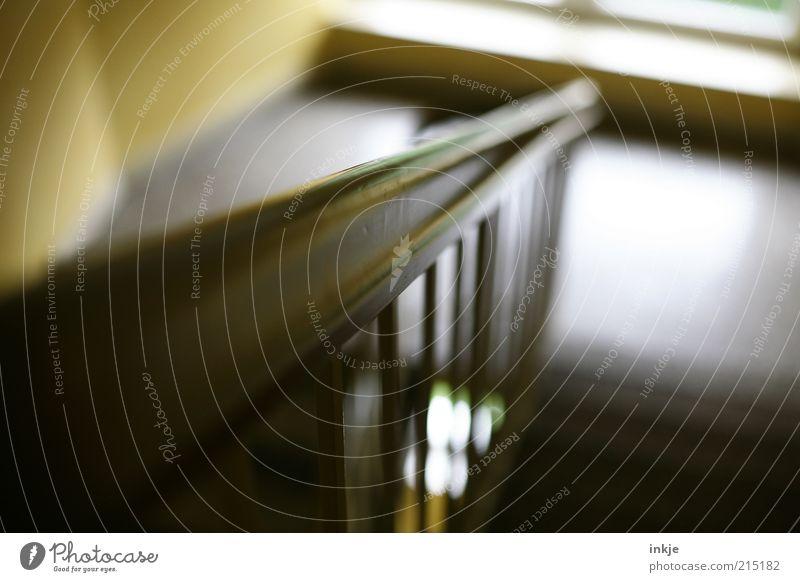 Schlagwort: extrem-schwache-Tiefenschärfe-Fetisch ;-) Wohnung Umzug (Wohnungswechsel) Innenarchitektur Treppengeländer Treppenhaus Holz Linie Häusliches Leben