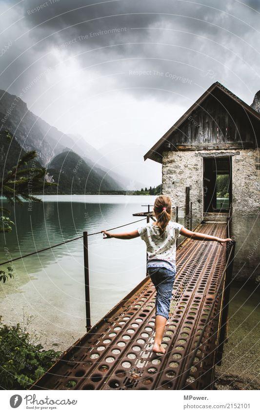 raibler see Freizeit & Hobby Ferien & Urlaub & Reisen Tourismus Ausflug Abenteuer Sommerurlaub Berge u. Gebirge wandern Mensch Kind 1 3-8 Jahre Kindheit dunkel