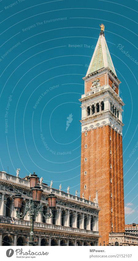 markusturm Stadtzentrum Altstadt Skyline Kirche Dom Platz Fassade alt historisch hoch schön Venedig Campanile San Marco Backstein Historische Bauten Laterne