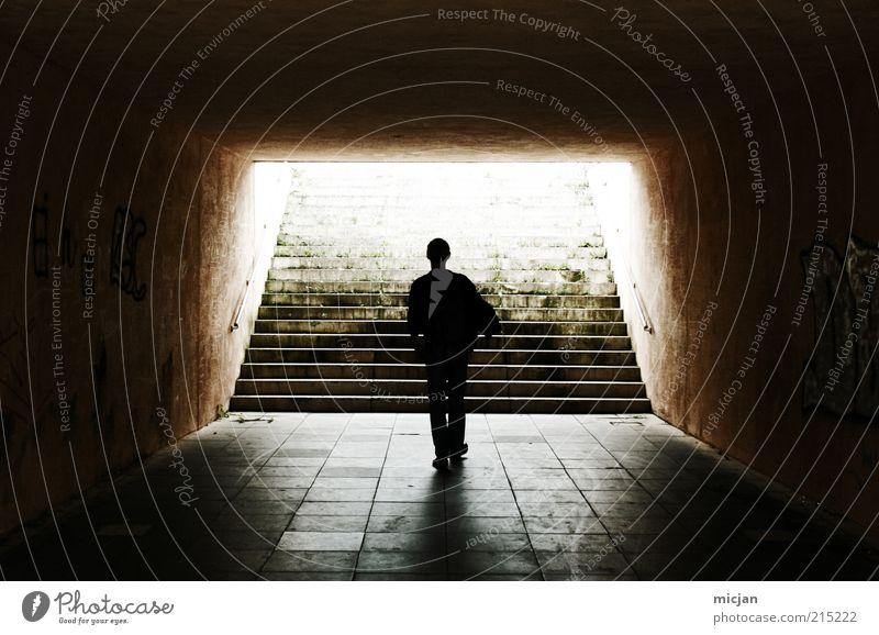 200 Ways |Time Traveling Mensch Mann Stadt Einsamkeit Tod Stein Traurigkeit Himmel (Jenseits) Erwachsene gehen maskulin laufen Treppe Vergänglichkeit geheimnisvoll Fliesen u. Kacheln