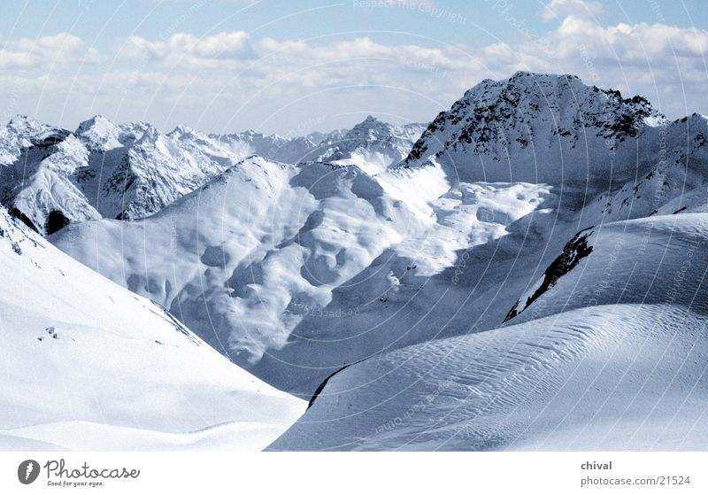 Piz Buin Winter Panorama (Aussicht) Wolken Bergsteigen Berge u. Gebirge Alpen Ferne Perspektive Schnee groß
