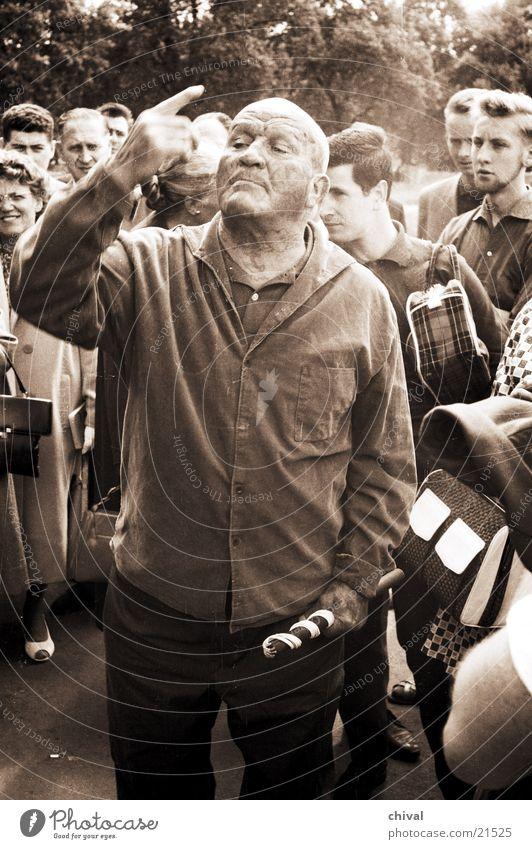 Hydepark-Redner Mann Freude Park Finger Veranstaltung Jahrmarkt Publikum Rede gestikulieren Versammlung Ermahnung