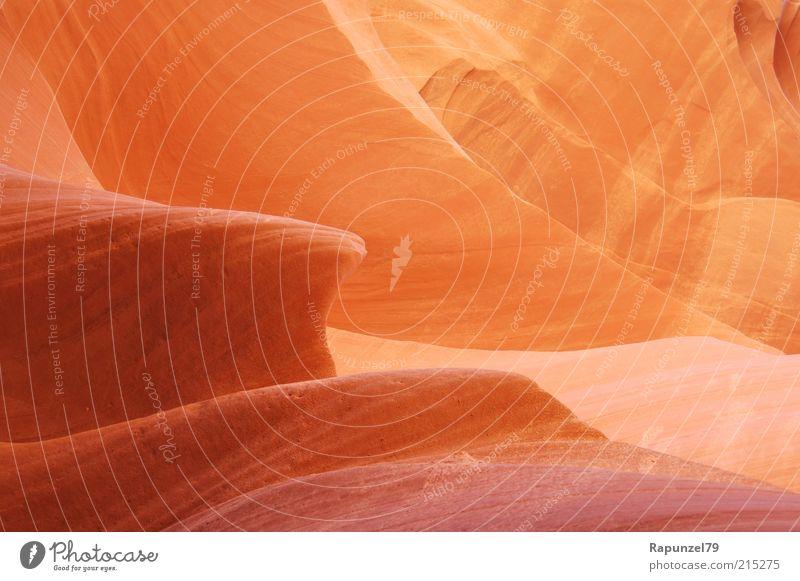 sanfter Stein Natur schön rot braun orange Felsen außergewöhnlich Detailaufnahme Licht Naturstein Gesteinsformationen Warmes Licht Antelope Canyon