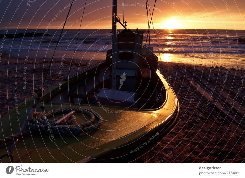 Fischerbootuntergang schön Sonne Meer Sommer Strand Ferien & Urlaub & Reisen ruhig Ferne dunkel Freiheit Wärme Wellen Seil Romantik Ende Abschied
