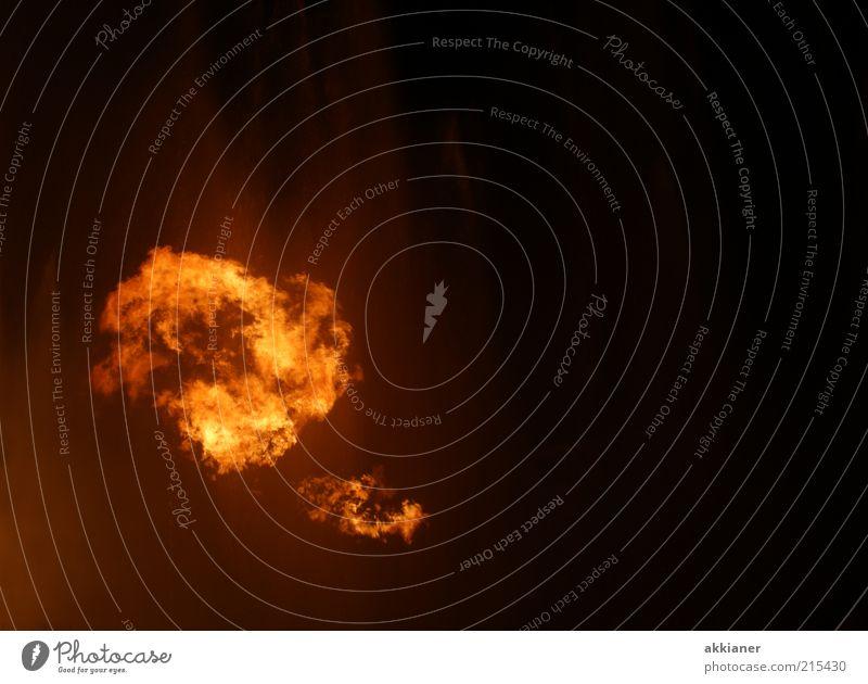 feurig rot gelb dunkel Wärme orange gold Feuer heiß Flamme Feuerball