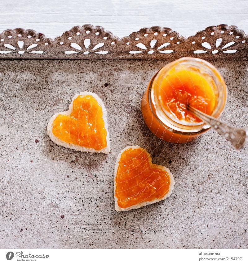 Brunch.Time <3 Marmelade Aprikose herzförmig Herz herzlich Frühstück Toastbrot Glas Einladung Liebe Verliebtheit Frucht Ernährung selbstgemacht Sommer rustikal