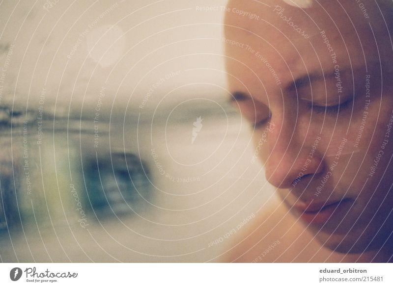 Some use many eyes Sinnesorgane Erholung ruhig Meditation maskulin Junger Mann Jugendliche Gesicht 1 Mensch 18-30 Jahre Erwachsene nass Wassertropfen Spiegel