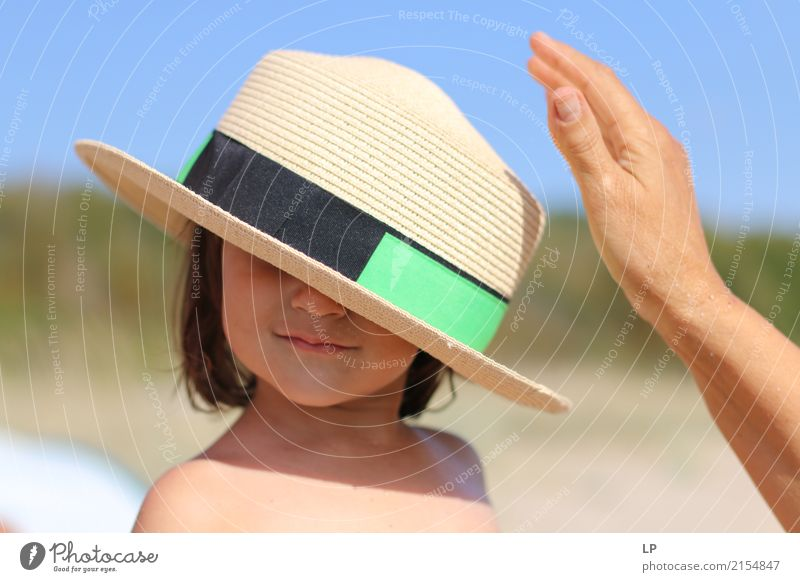 Hut auf deinem Kopf Lifestyle elegant Stil Freude Freizeit & Hobby Spielen Ferien & Urlaub & Reisen Muttertag Kindererziehung Bildung Mensch feminin Baby Eltern