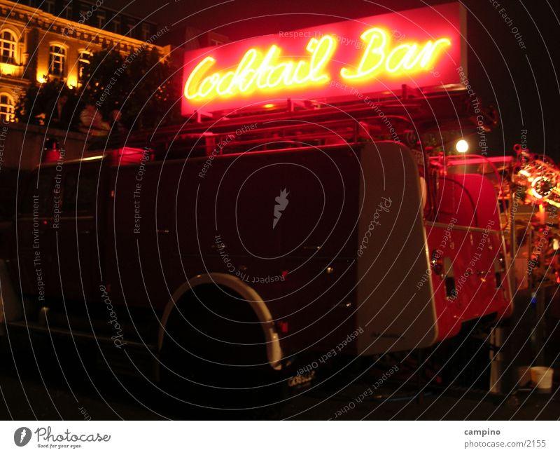 Cocktail Bar Jahrmarkt Nacht Getränk Leuchtreklame Alkohol Düsseldorf