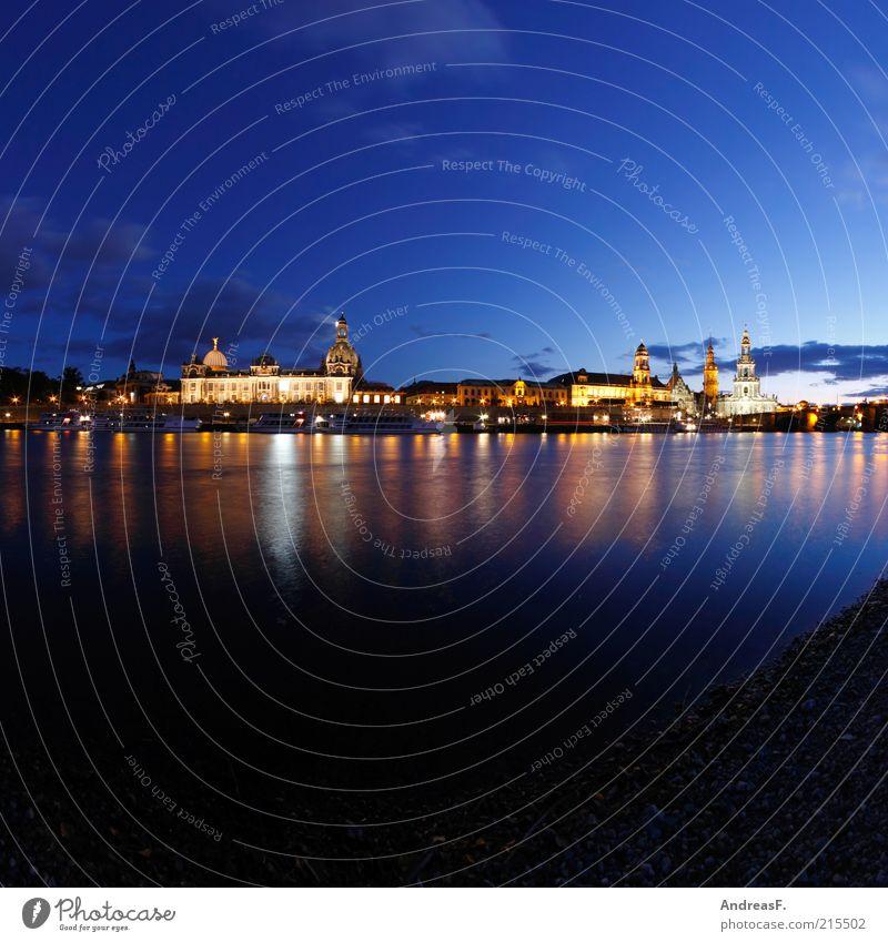 Dresden Stadt blau dunkel Gebäude Architektur Deutschland Kirche Fluss Burg oder Schloss Skyline Denkmal Mond Bauwerk Wahrzeichen