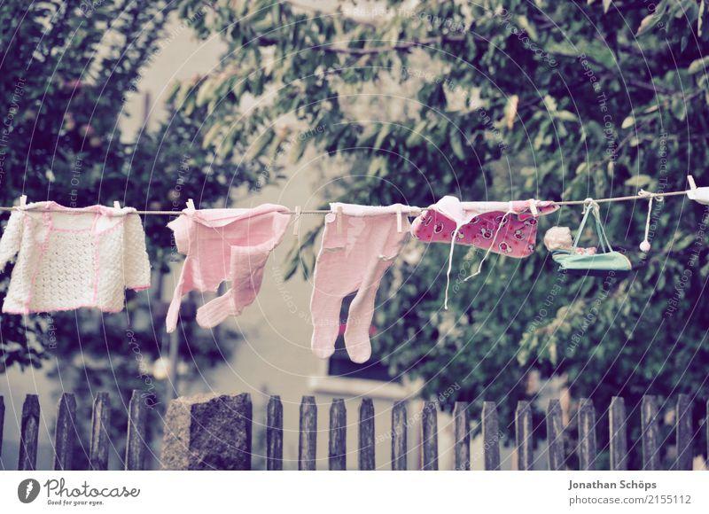 Wäscheleine für Babys Mädchen feminin klein Garten Mode rosa Schuhe Bekleidung niedlich Hochzeit Symbole & Metaphern violett T-Shirt Wunsch trendy