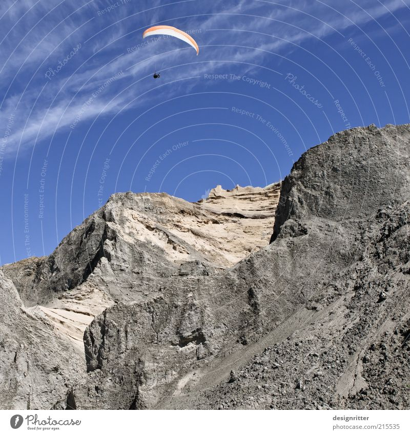 Drachenfelsen Freizeit & Hobby Drachenfliegen Gleitschirmfliegen Fallschirm Kiter Himmel Berge u. Gebirge Gipfel Klippe frei Freiheit driften Lønstrup Dänemark