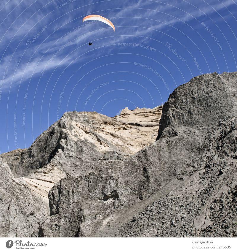 Drachenfelsen Himmel Berge u. Gebirge Freiheit fliegen Freizeit & Hobby frei Gipfel Klippe Gleitschirmfliegen Dänemark Fallschirm Gleitschirm Skandinavien driften Kiter Drachenfliegen