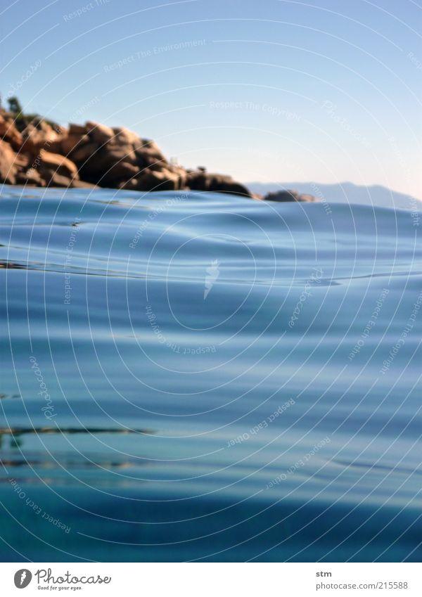 beyond the sea [7] Natur Wasser Himmel Meer blau Sommer Ferien & Urlaub & Reisen ruhig Ferne Freiheit Landschaft Zufriedenheit Küste Wellen Umwelt Ausflug