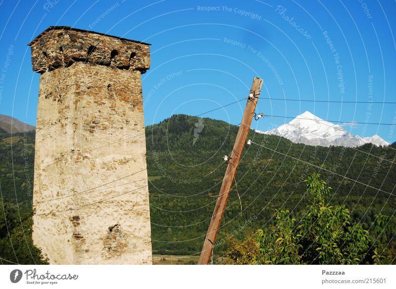 Gebirgsstrom Ferien & Urlaub & Reisen Tourismus Ferne Berge u. Gebirge Kabel Strommast Landschaft Schönes Wetter Wald Hügel Felsen Alpen Gipfel
