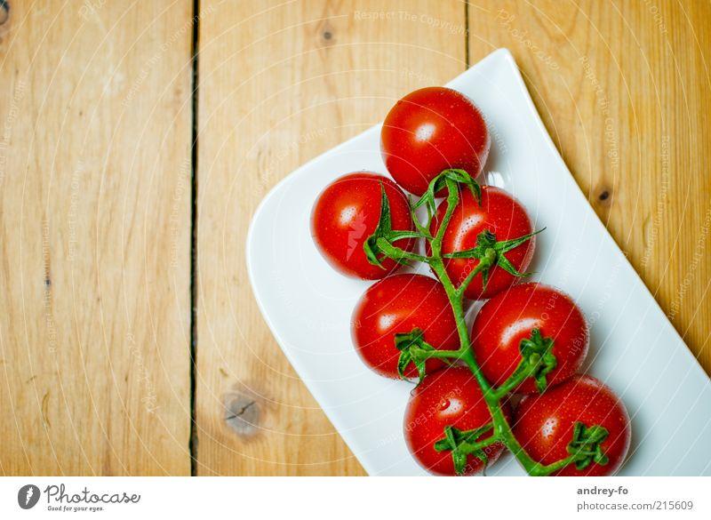 Tomaten Tisch Küche Gastronomie Schalen & Schüsseln Gesundheit lecker rot frisch Nutzpflanze Gemüse Ernährung Holztisch Gesunde Ernährung cherry tomaten