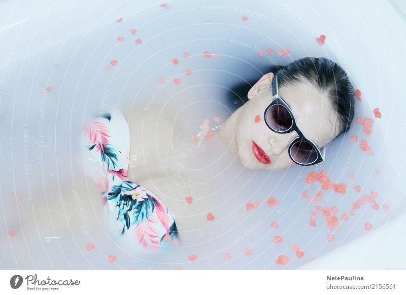 Hawai Girl Mensch Jugendliche Junge Frau schön Erotik 18-30 Jahre Gesicht Erwachsene Lifestyle Liebe Glück Haare & Frisuren Kopf Schwimmen & Baden Denken