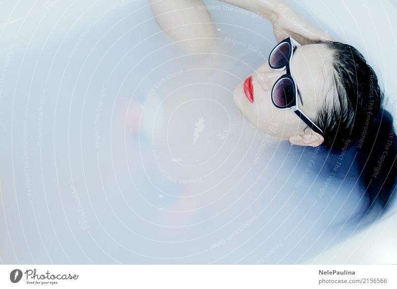 Hawai Girl Lifestyle schön Körperpflege Haare & Frisuren Haut Gesicht Kosmetik Lippenstift Wellness Schwimmen & Baden Badewanne feminin Junge Frau Jugendliche