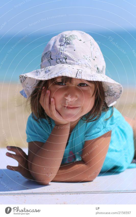 ich bin so hübsch Mensch Kind Ferien & Urlaub & Reisen schön ruhig Freude Mädchen Erwachsene Leben Lifestyle Gefühle Stil Familie & Verwandtschaft Spielen