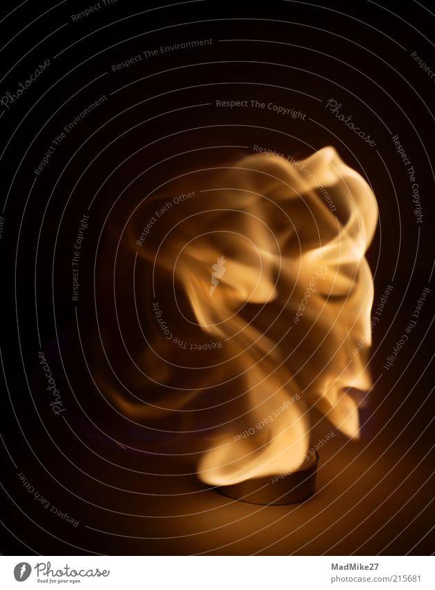 FireFace Haare & Frisuren Gesicht Kopf Nase Mund Lippen Feuer alt hell brennen Kerze blond Lichtspiel Lichterscheinung Brand Docht schwarz orange
