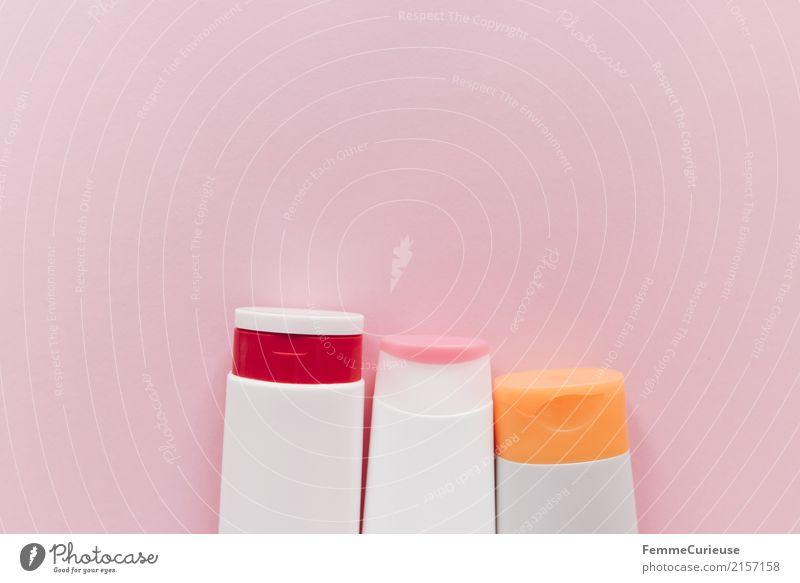 Plastik (02) Umwelt Körperpflege Kunststoff Behälter u. Gefäße Kosmetik Unter der Dusche (Aktivität) rosa PE-Flaschen 3 Verpackung weiß Textfreiraum links