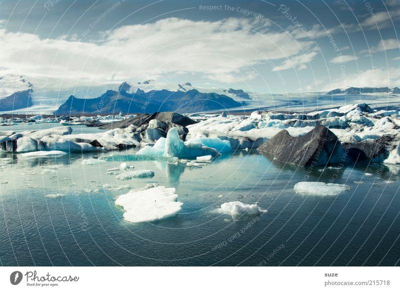 Wildes Treiben Himmel Natur blau Ferien & Urlaub & Reisen Wasser Einsamkeit Wolken Landschaft Umwelt Ferne Berge u. Gebirge kalt See Horizont Stimmung natürlich
