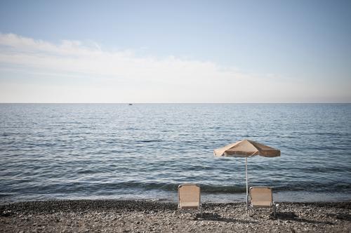 Tagesaussichten harmonisch Erholung ruhig Ferien & Urlaub & Reisen Tourismus Freiheit Sommer Sommerurlaub Sonnenbad Strand Meer Wellen Sonnenschirm Liegestuhl