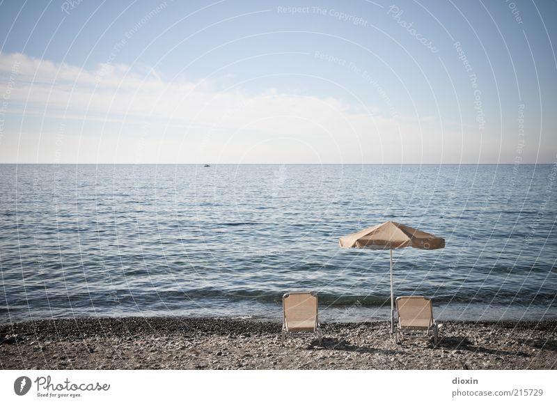 Tagesaussichten Himmel Meer Sommer Strand Ferien & Urlaub & Reisen ruhig Wolken Erholung Freiheit hell Küste Wellen Horizont Tourismus Liege Sonnenschirm