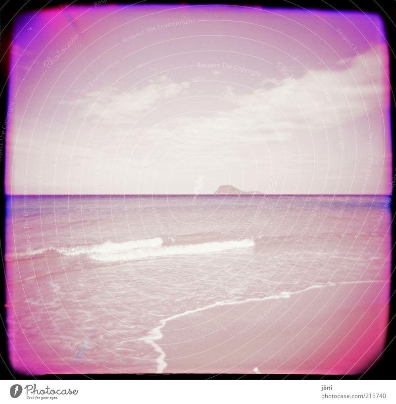 Die Insel Wasser Himmel Sommer Strand Wolken Einsamkeit Ferne Küste Wellen rosa nass frei Horizont frisch Romantik