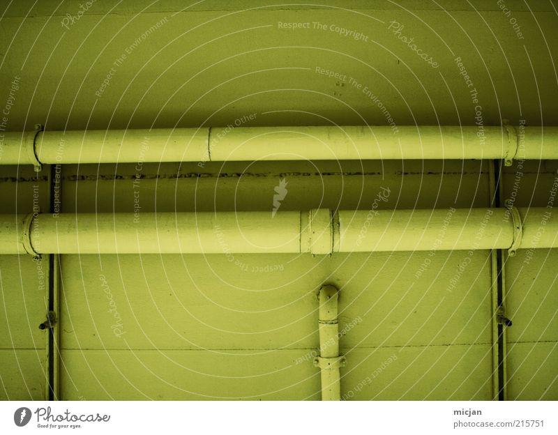 Grand Machine No. 33 | Tube End Wasser grün gelb Wand Mauer Gebäude Metall Linie Fassade Netzwerk Fabrik Kunststoff Röhren Leitung vertikal