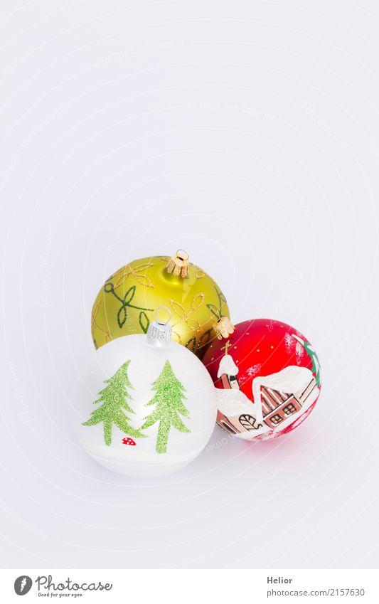 Drei Christbaumkugeln auf weissem Hintergrund Design Freude Feste & Feiern Weihnachten & Advent Glas Zeichen Ornament Kugel schön mehrfarbig grün rot weiß