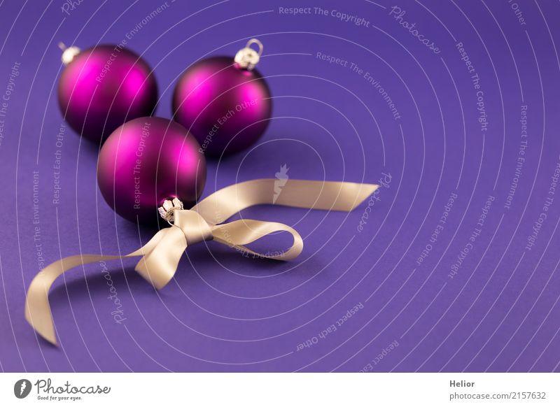Lila Christbaumkugeln mit silberfarbenem Geschenkband Design Freude Feste & Feiern Weihnachten & Advent Glas Zeichen Ornament Kugel Schnur Schleife schön