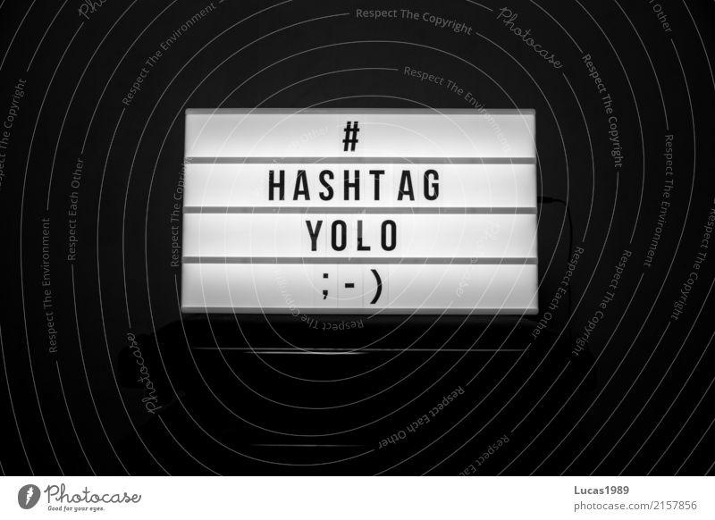 # YOLO Lifestyle Freude Jugendliche Kommunizieren leuchten schreiben sprechen Coolness Glück Lebensfreude Begeisterung Euphorie Optimismus Abenteuer