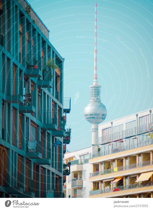 neu in Mitte blau Sommer Stadt Haus Umwelt Stil oben Zufriedenheit modern authentisch Schönes Wetter Wandel & Veränderung Sehenswürdigkeit Wahrzeichen